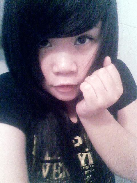 Jessica lộ diện; bé tẹt ngốc 050511151946__