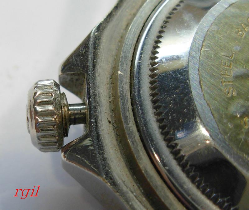 En changeant le tube pour la couronne fileté d´une montre   537-01