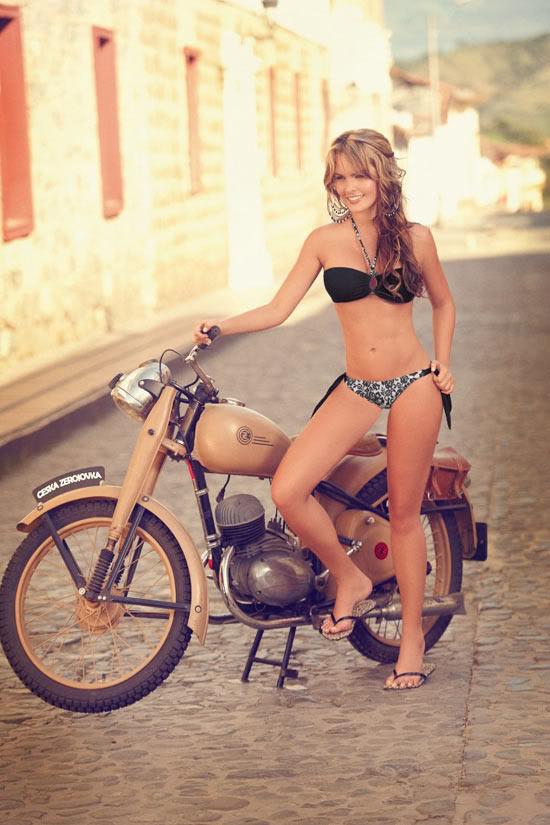 Những mẫu bikini tôn thờ vóc dáng sexy 1299492371-Melissa-Giraldo-Phax-Swimwear-18-681x1024