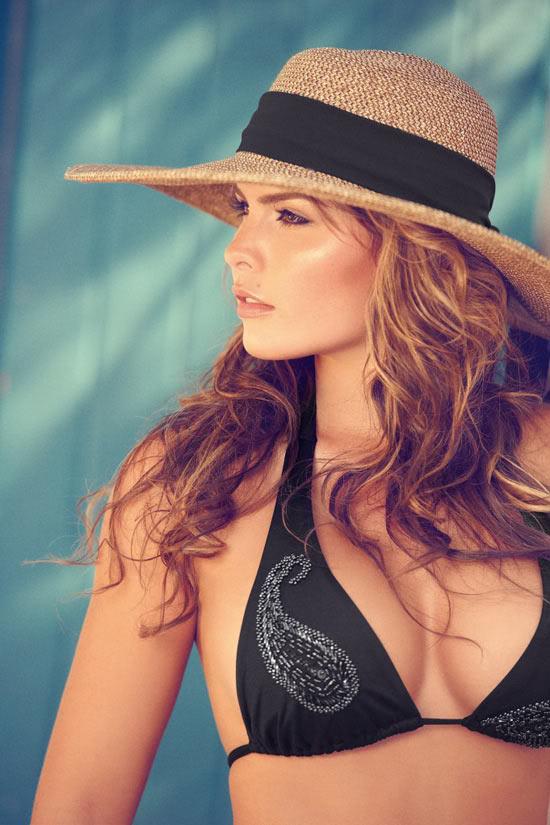 Những mẫu bikini tôn thờ vóc dáng sexy 1299492371-Melissa-Giraldo-Phax-Swimwear-23-681x1024