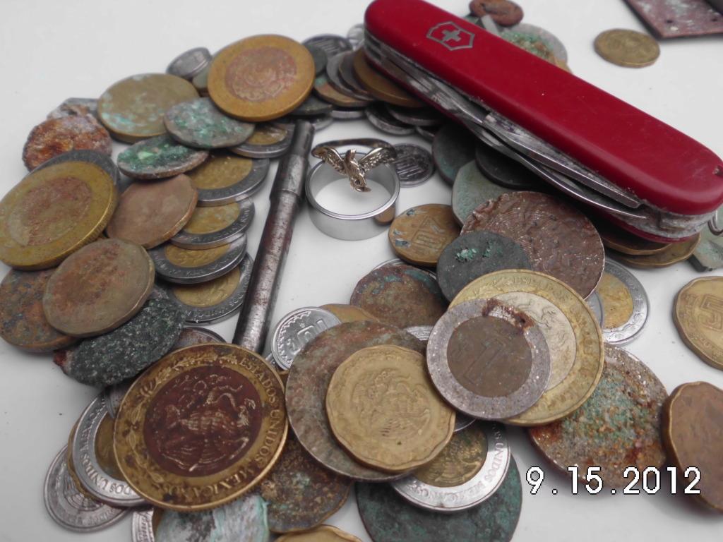 navaja, anillo de oro y mas encontrados en playas de guaymas sonora CIMG1186