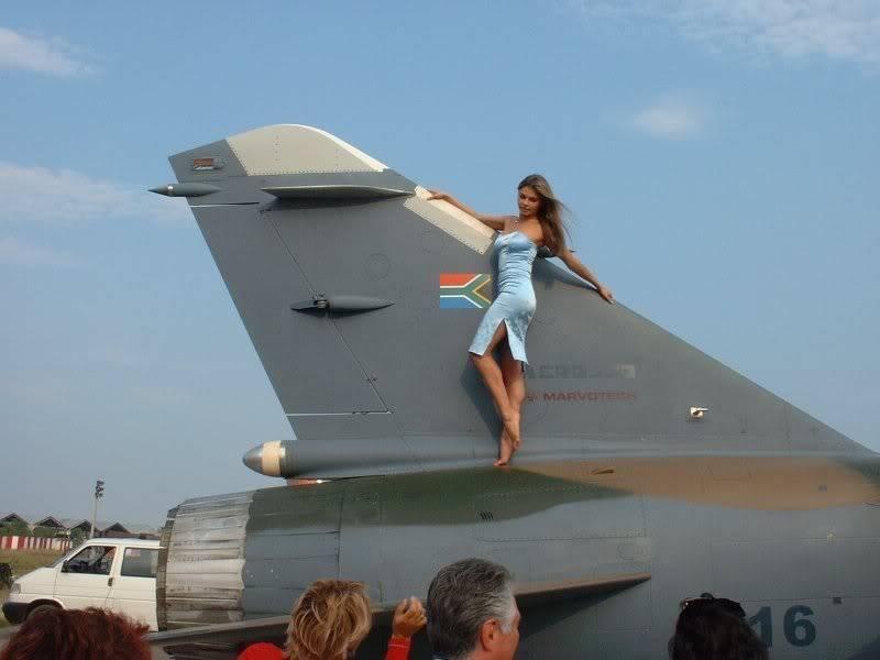 Photos d'avions militaires - Page 15 F1enMAKS20014