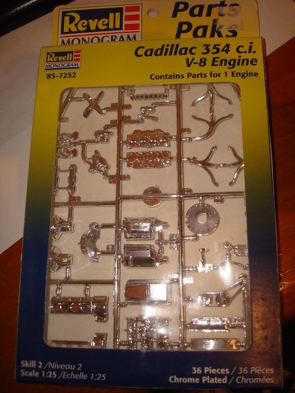 plusieurs kits neuf a vendre(skyline,RX-7,Boss302,shelby...) DSC04057