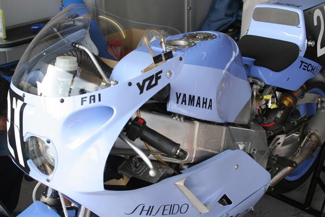 Yamaha FZR - Page 2 1_87_TECH21