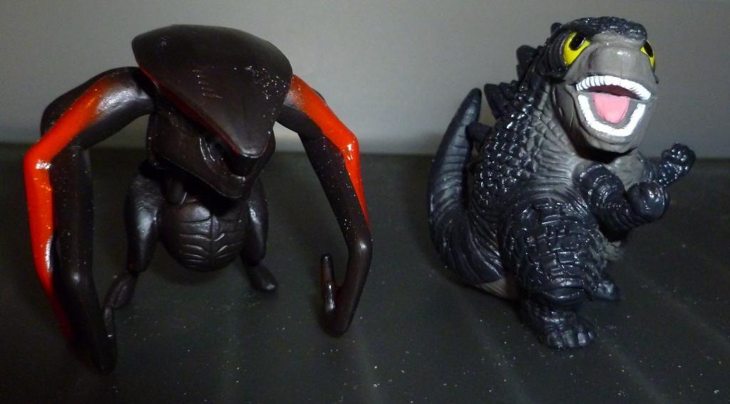 Godzilla 2014 Figures (NECA Godzilla UPDATED 9/9/14)! P1130835