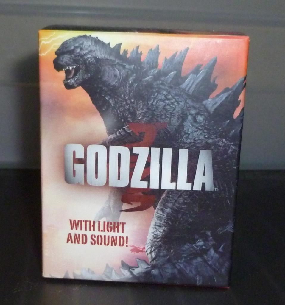 Godzilla 2014 Figures (NECA Godzilla UPDATED 9/9/14)! P1130863