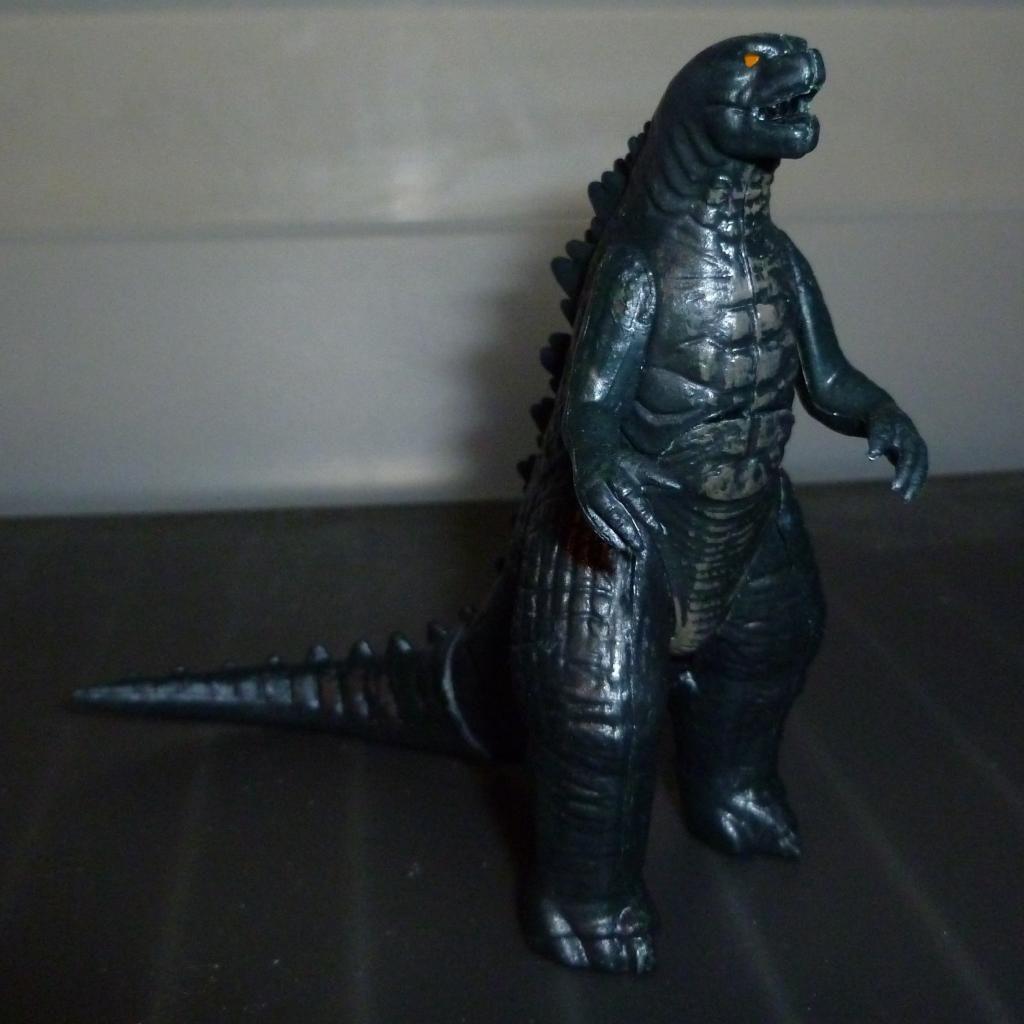 Godzilla 2014 Figures (NECA Godzilla UPDATED 9/9/14)! P1130865