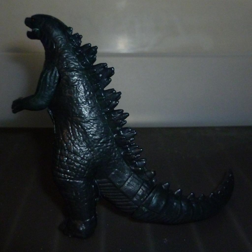 Godzilla 2014 Figures (NECA Godzilla UPDATED 9/9/14)! P1130866