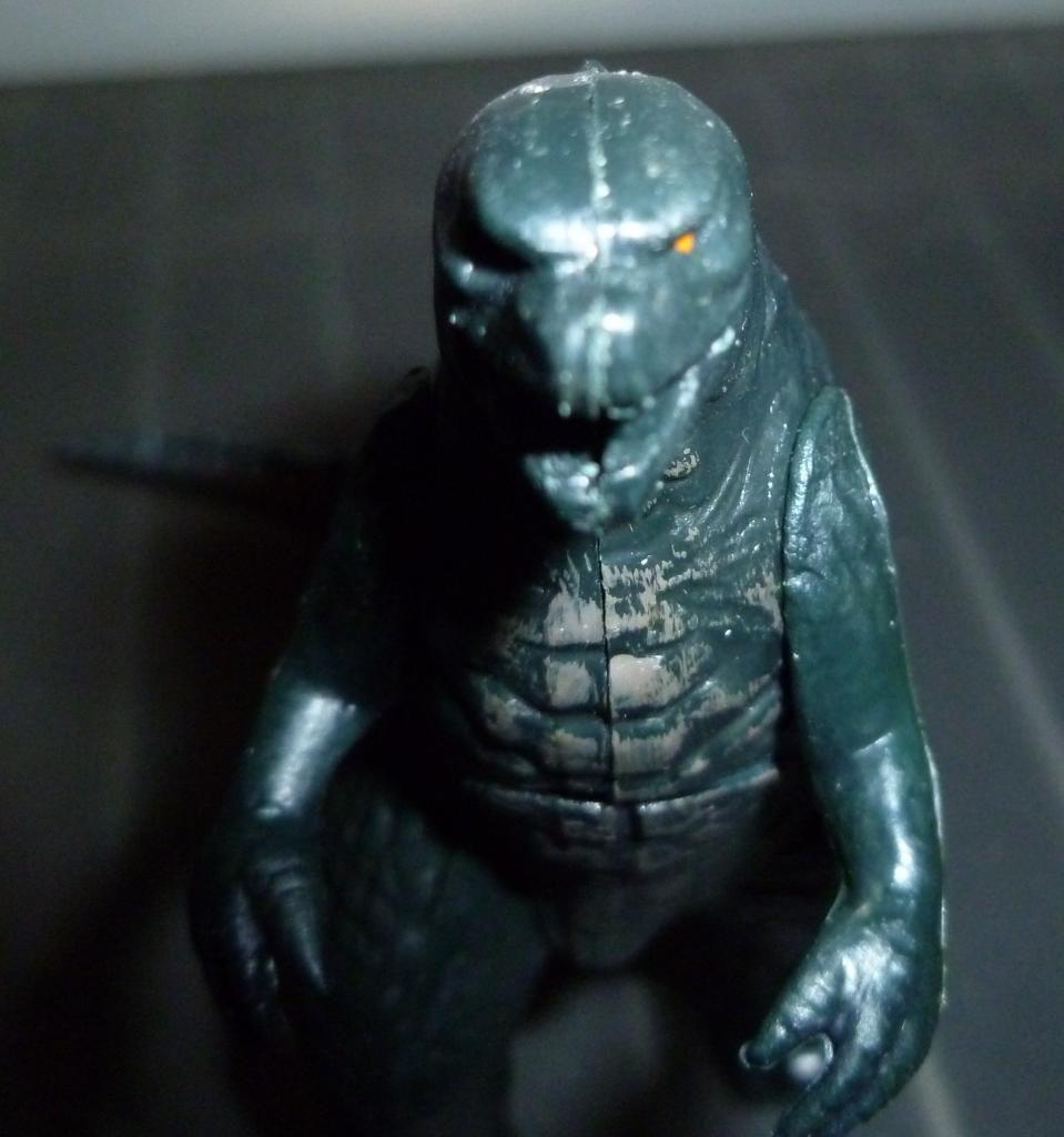 Godzilla 2014 Figures (NECA Godzilla UPDATED 9/9/14)! P1130868