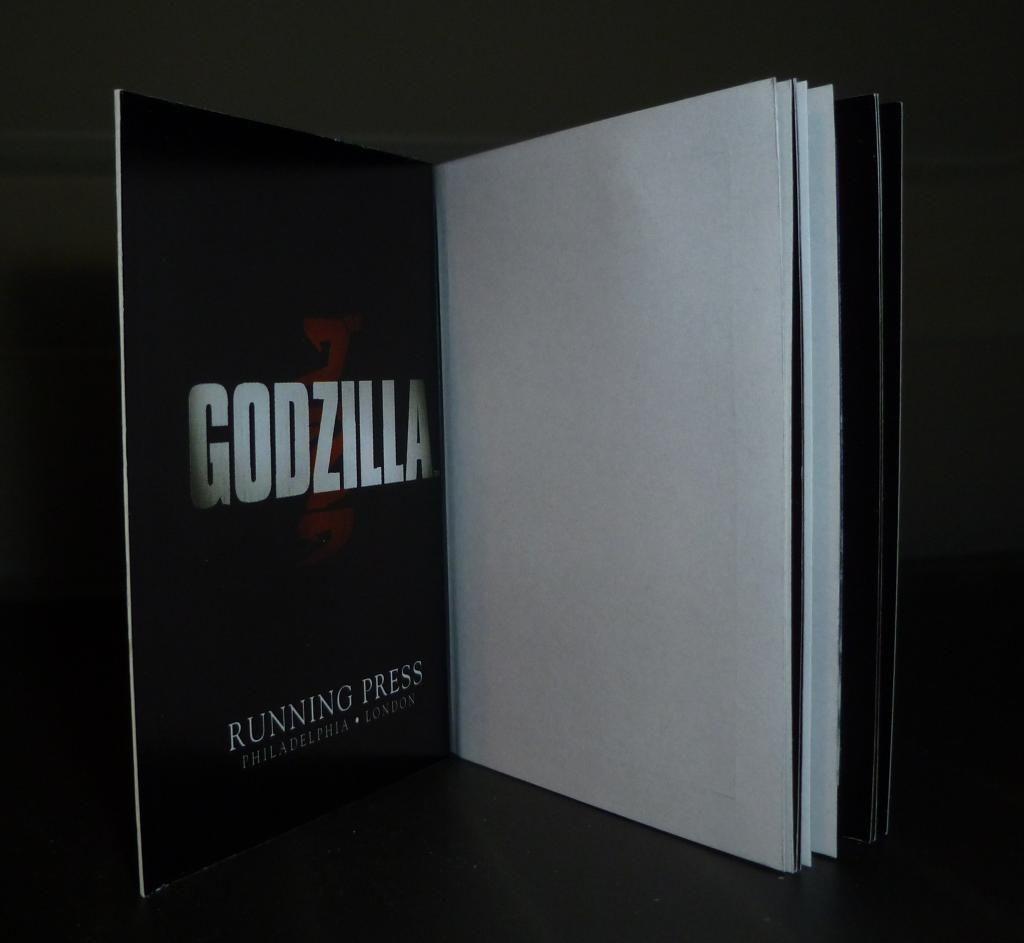 Godzilla 2014 Figures (NECA Godzilla UPDATED 9/9/14)! P1130877