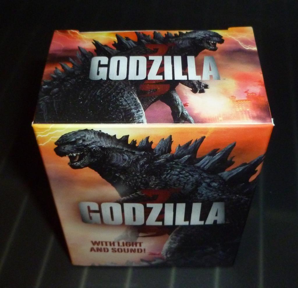 Godzilla 2014 Figures (NECA Godzilla UPDATED 9/9/14)! P1130882