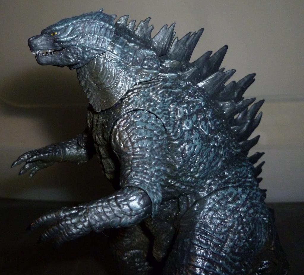 Godzilla 2014 Figures (NECA Godzilla UPDATED 9/9/14)! P1130847
