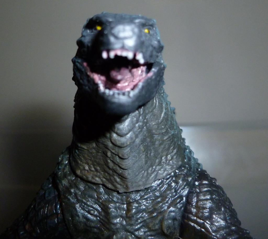 Godzilla 2014 Figures (NECA Godzilla UPDATED 9/9/14)! P1130853