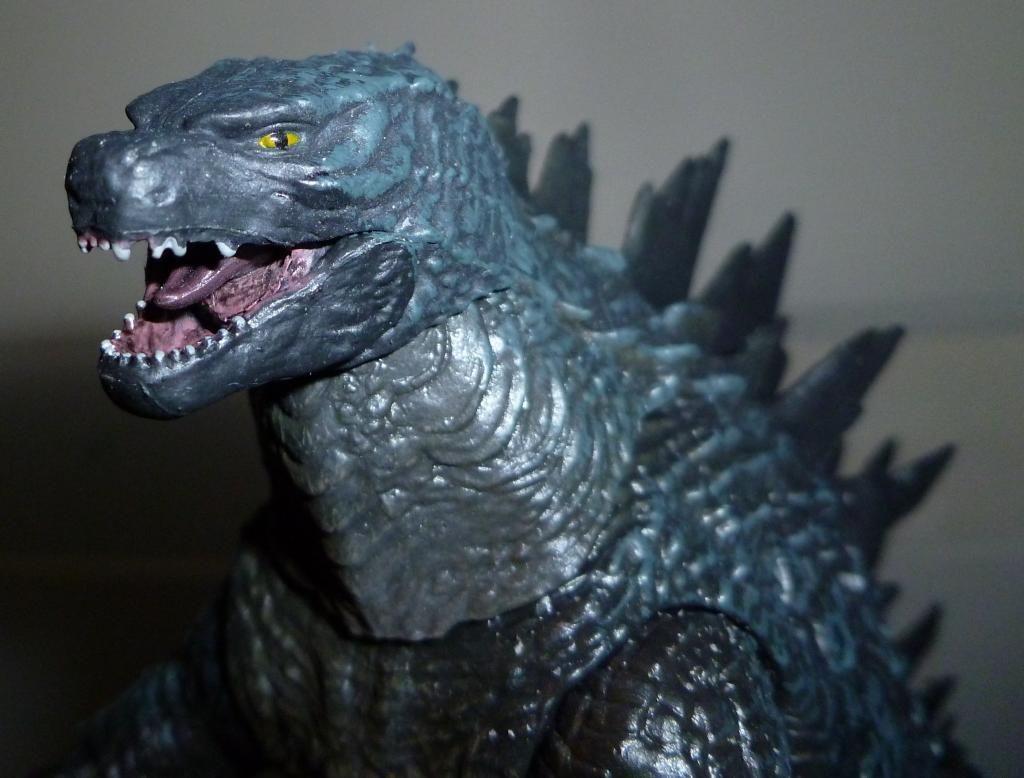 Godzilla 2014 Figures (NECA Godzilla UPDATED 9/9/14)! P1130854