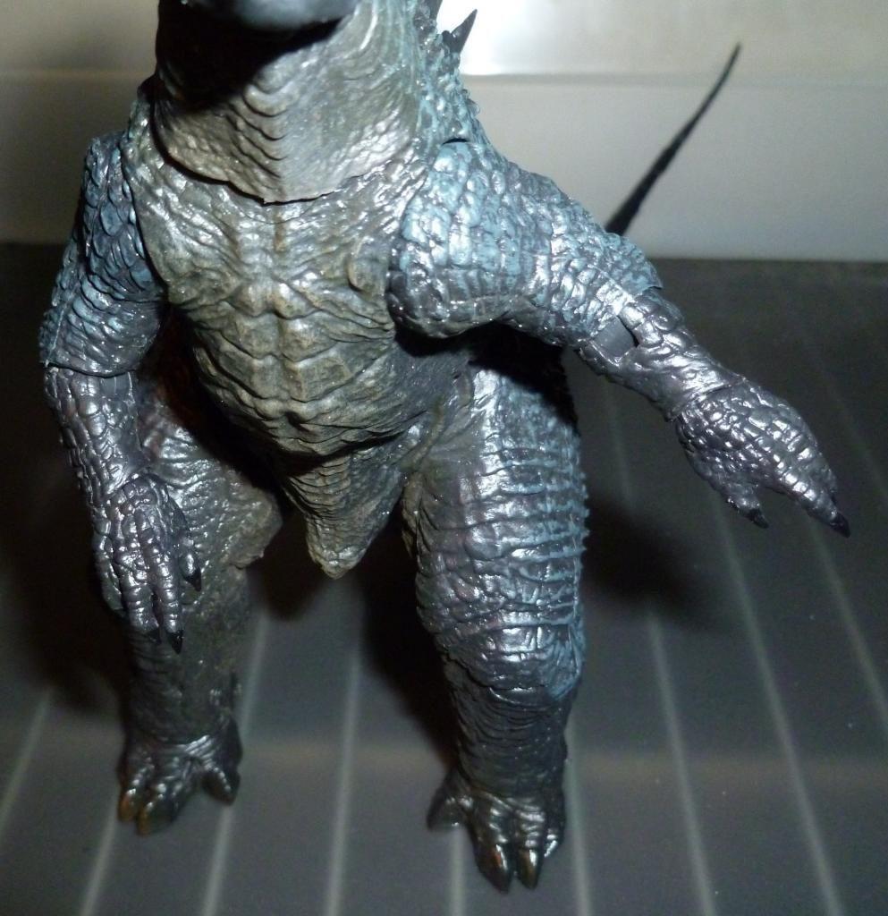 Godzilla 2014 Figures (NECA Godzilla UPDATED 9/9/14)! P1130862