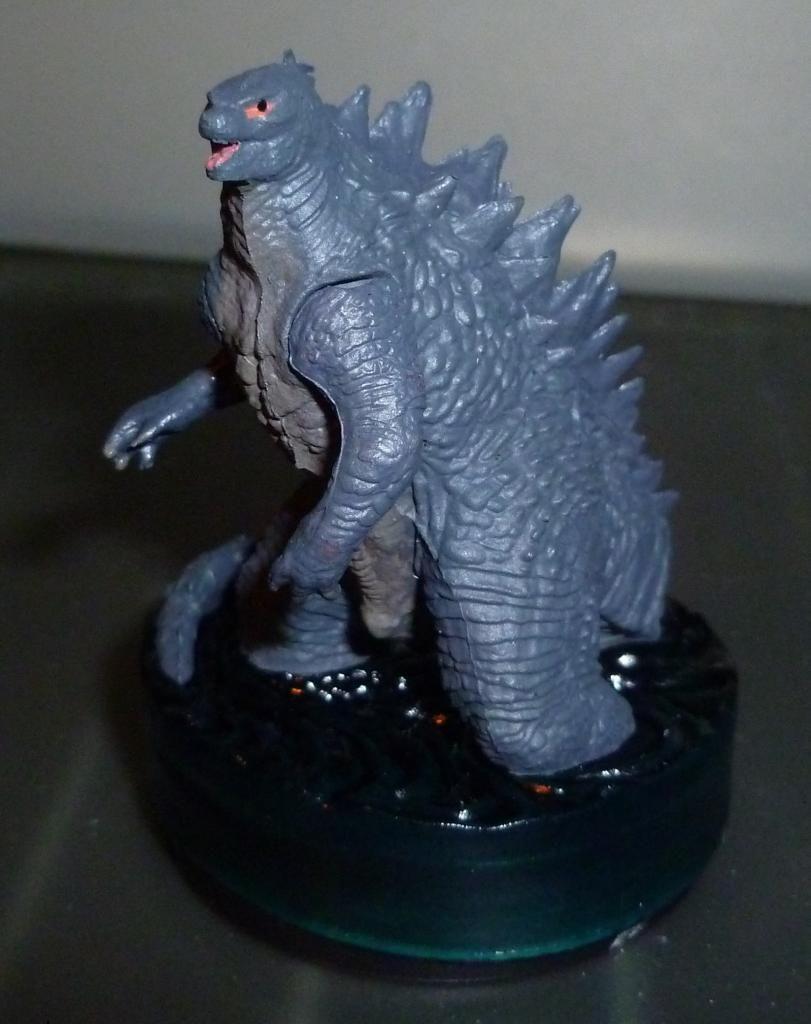 Godzilla 2014 Figures (NECA Godzilla UPDATED 9/9/14)! P1130885
