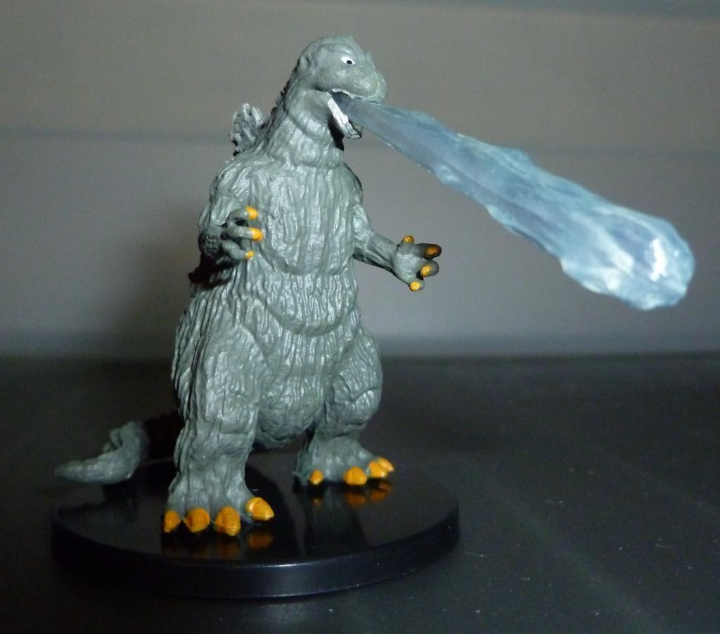 Godzilla 2014 Figures (NECA Godzilla UPDATED 9/9/14)! P1130903