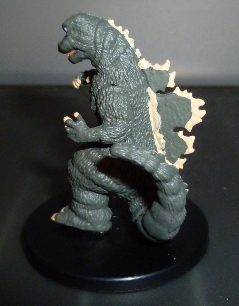 Godzilla 2014 Figures (NECA Godzilla UPDATED 9/9/14)! P1130912