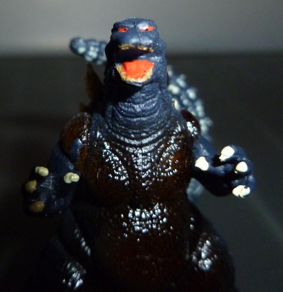 Godzilla 2014 Figures (NECA Godzilla UPDATED 9/9/14)! P1130918