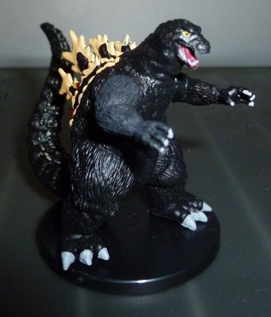Godzilla 2014 Figures (NECA Godzilla UPDATED 9/9/14)! P1130920