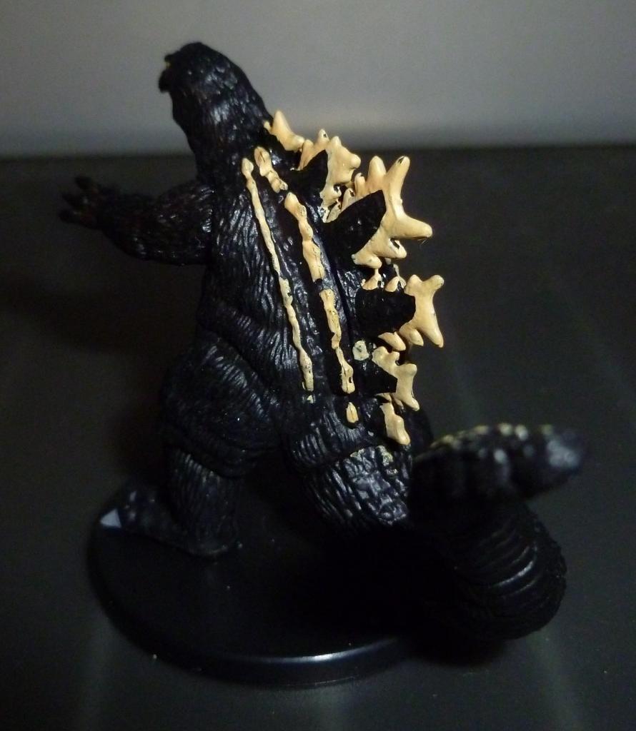 Godzilla 2014 Figures (NECA Godzilla UPDATED 9/9/14)! P1130921