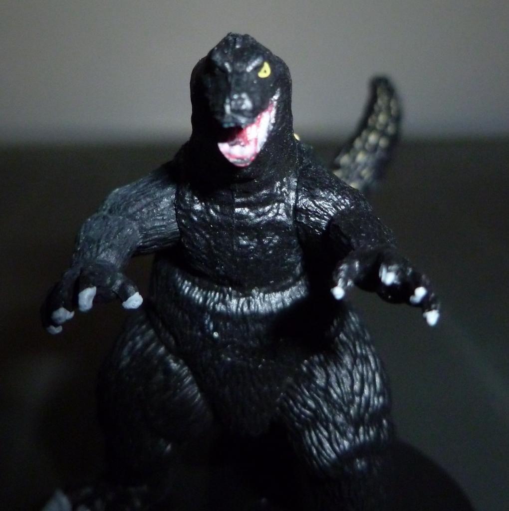 Godzilla 2014 Figures (NECA Godzilla UPDATED 9/9/14)! P1130924
