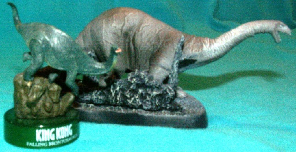 King Kong figures by Konami & X-Plus! Brontosaurusamp05KongBrontosaurusComparison
