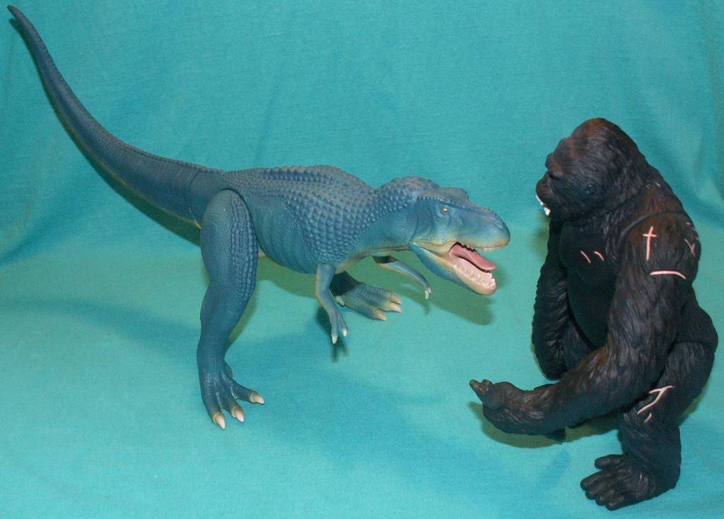 King Kong figures by Konami & X-Plus! 05KongvsV-Rex