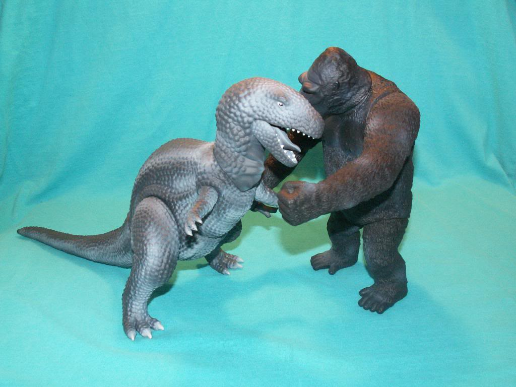 King Kong figures by Konami & X-Plus! Kong33ampT-RexFight