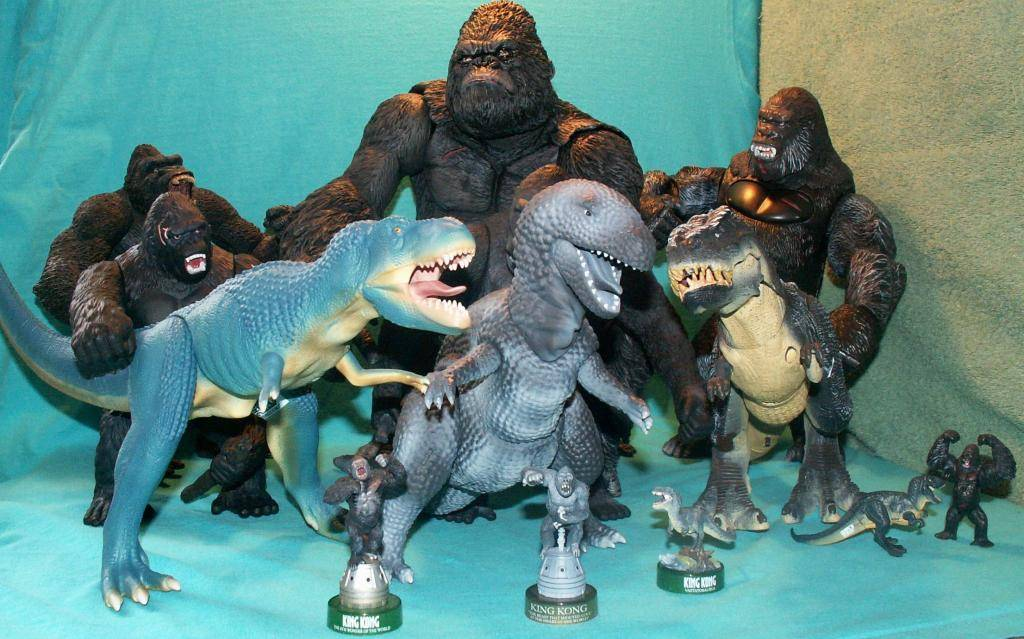 King Kong figures by Konami & X-Plus! KongComparisonGroup