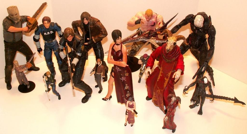 Resident Evil 4 & 5 Figures by Agatsuma & NECA!!!!!!! RE-4FigureComparisonGroup1