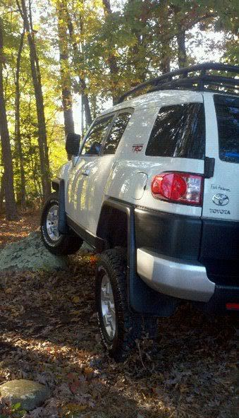 Post a Picture of Your FJ - Page 6 393622_182331701852585_100002272684478_376617_1690599425_n