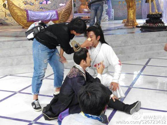 [2015] Phi đao hựu kiến phi đao | Huỳnh Văn Hào, Lưu Khải Uy, Dương Dung Cea873f082025aaf86efe125fdedab64014f1abd_zpsdn6fvykq