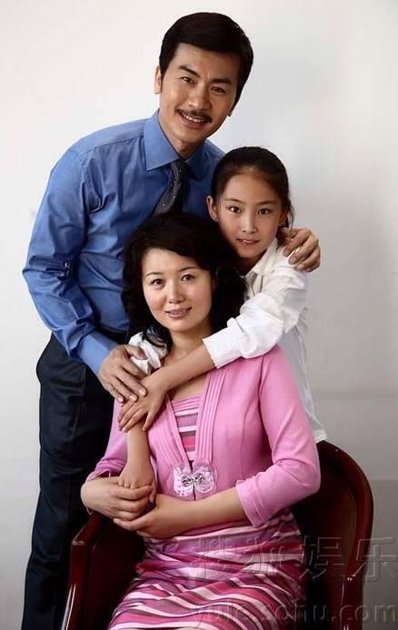 [2011]Hạ gia tam thiên kim |Trương Mông, Trần Sở Hà, Đường Yên, Huỳnh Văn Hào D45476094b36acaf56757d4b7ed98d1000e99c2f_zps26b3d8bc