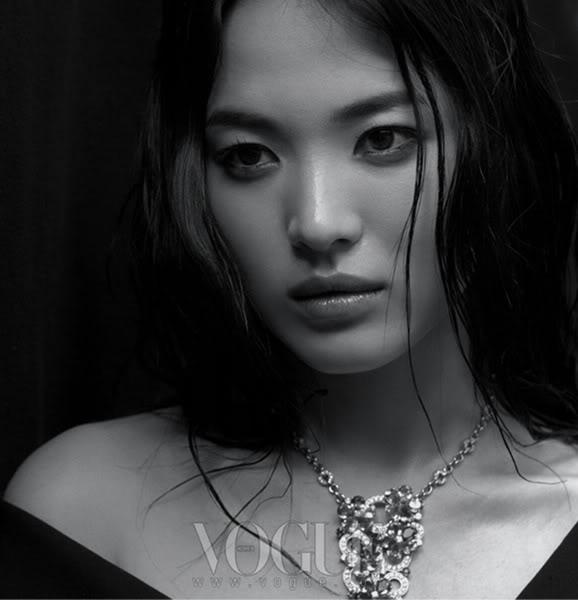 """Hình mới của Song Hye Kyo cực """"lạ lẫm"""" và """"hoang dại"""" 110123star1SHK-3"""