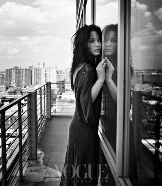 """Hình mới của Song Hye Kyo cực """"lạ lẫm"""" và """"hoang dại"""" 86f110123star1SHK-1"""