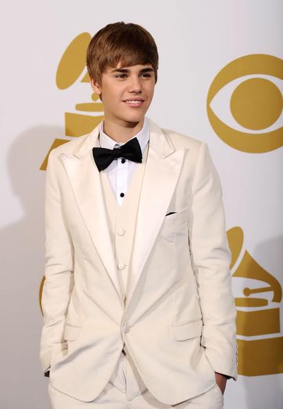 Justin Bieber thất vọng khi không giành giải Grammy Bie215211