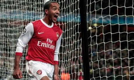 Walcott: 'Arsenal sẽ là đội đầu tiên đánh bại MU' T343079