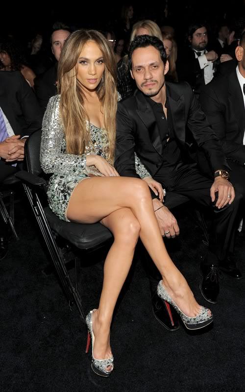 Jennifer Lopez đổ máu vì giày siêu cao T510669