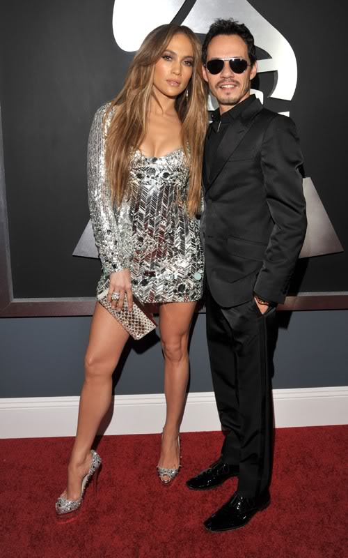 Jennifer Lopez đổ máu vì giày siêu cao T510670