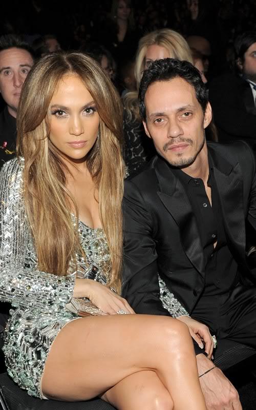 Jennifer Lopez đổ máu vì giày siêu cao T510671