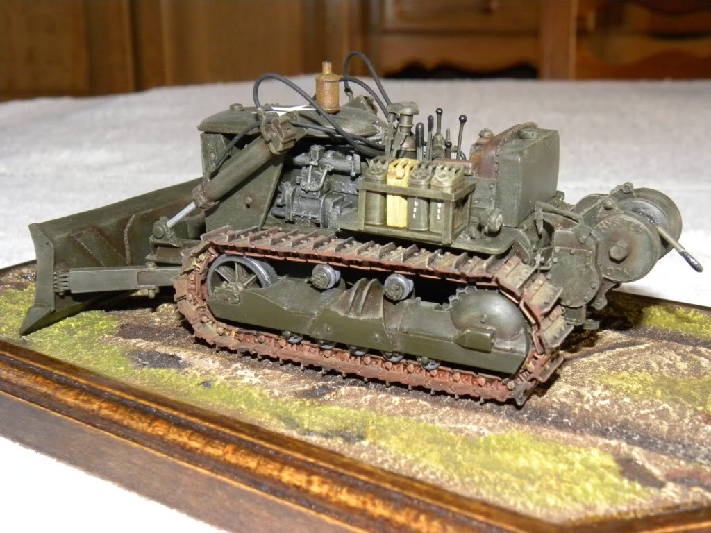 bulldozer D4  1:35  resine DSCN0446