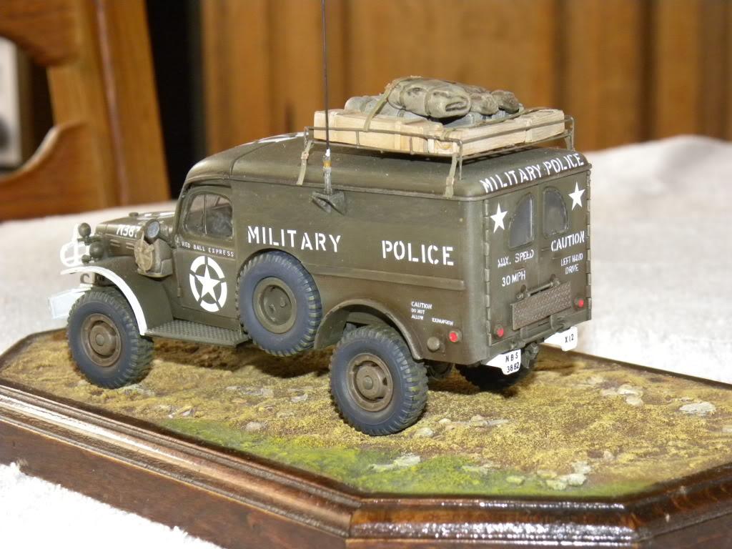 dodge wc 54  military police      italeri  1:35 suite et fin DSCN0653