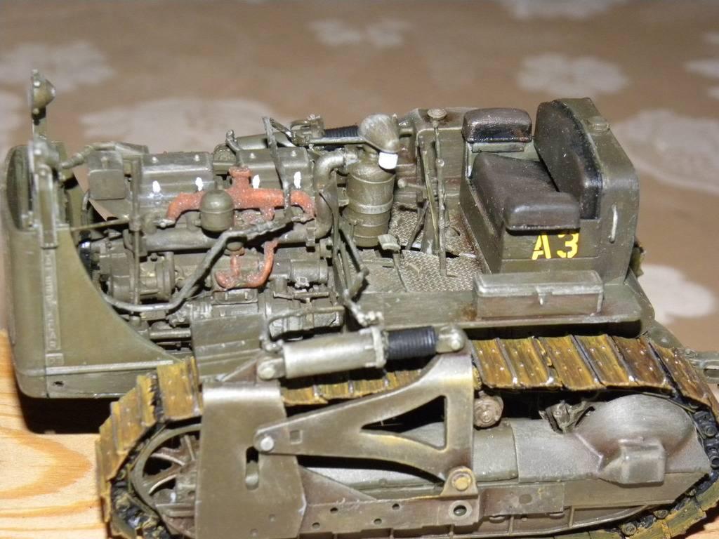buldozer miniart 1:35 DSCN1407_zpslnsfqbrr