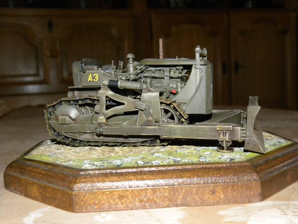 buldozer miniart 1:35 DSCN1410_zpsqi2nioby