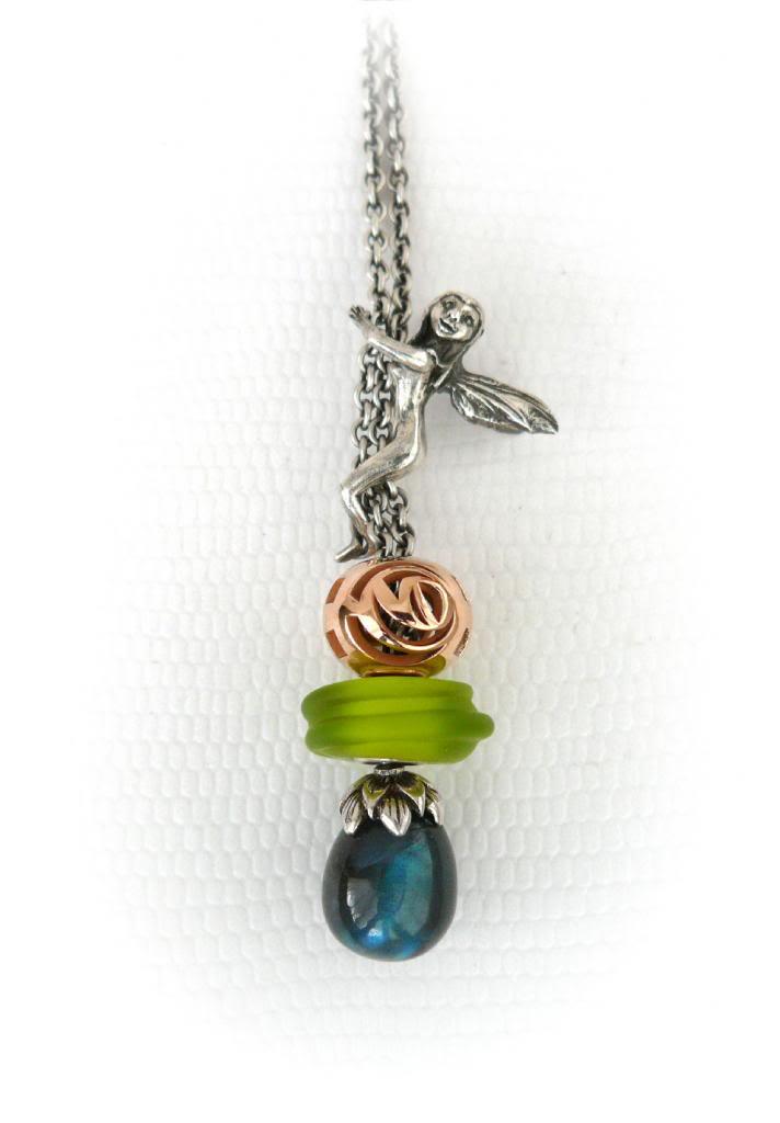 Faerybeads custom order ᏒᎧᏕᏋ and ʋɛʀȶɛɮʀǟɛ bead FBRedRoseChain_zps206460a4