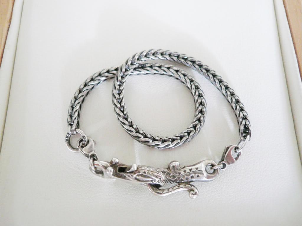 How to wear your greyhound lock... 96dd4607-1