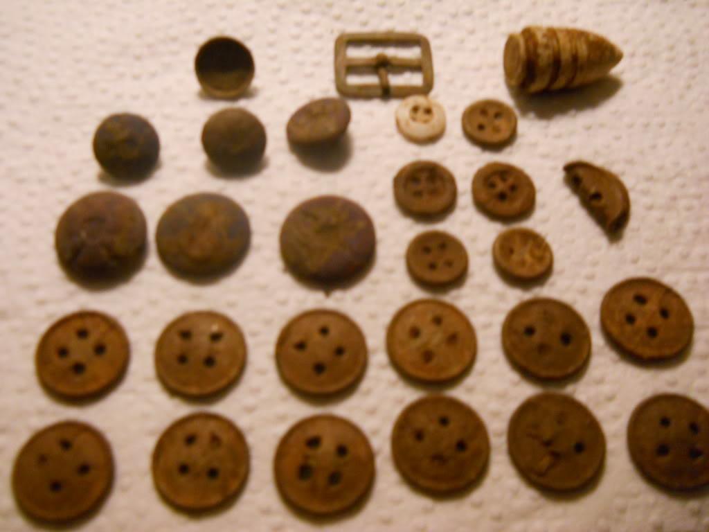 Bag o buttons? DSCN0843