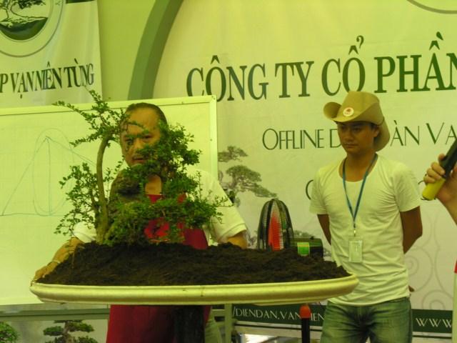 Offline with Mr. Robert Stenven in my Garden (lnvinh - VietNam) DSCN9027