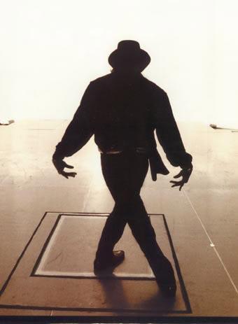 Raridades: Somente fotos RARAS de Michael Jackson. - Página 5 HIStory-World-Tour-Rehersals-michael-jackson-7613932-340-463